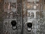 Dom von Gnesen [poln. Gniezno]: romanische Bronzetür mit der Vita von Adalbert (2012)