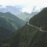 Die gefährliche Yunga-Straße in den Anden Boliviens (2005)