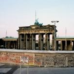 Bild der Berliner Mauer beim Brandenburger Tor 80er Jahre