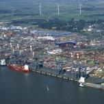 Bild des Containerhavens in Bremerhaven Luftbild 2006