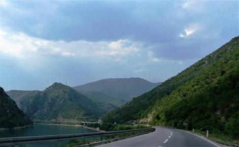 Tal der Neretva in Bosnien