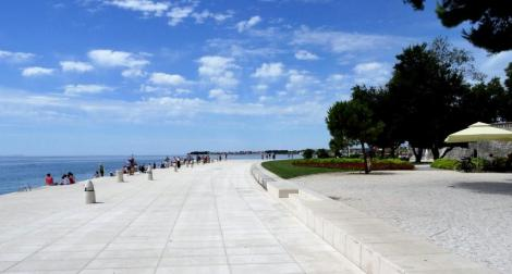Zadar: Promenade - Blick zu der Wasserorgel