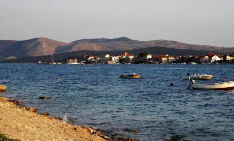 Brodarica bei Sibenik - Blick zur Insel Krapanj (2015)