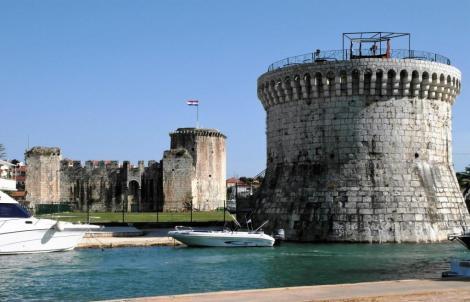 Trogir Markusturm und Festung Kamerlengo