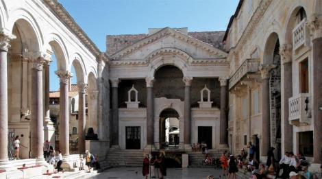 Split: Diokletianspalast - Peristyl (2016)