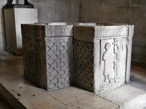 Split: Diokletianspalast - Jupitertempel [später Baptisterium] Taufbecken (2016)