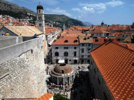Dubrovnik: Großer Onofriobrunnen, links Stradun (2015)