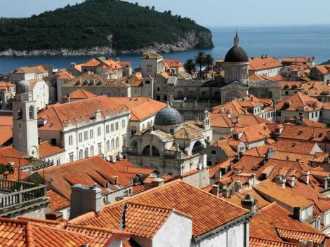 Dubrovnik: Blick von der Stadtmauer Richtung Kathedrale (2015)