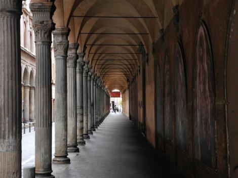 Säulengang der Kirche San Giacomo Maggiore (2017)