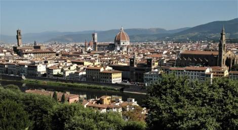 Blick vom Michelangelo-Platz auf Palazzo Vecchio, Dom und Santa Croce (2017)