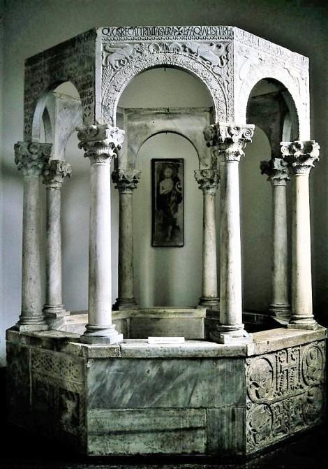 Cividale: Dom - Callixtus-Taufbecken im Museo Cristiano (1999)