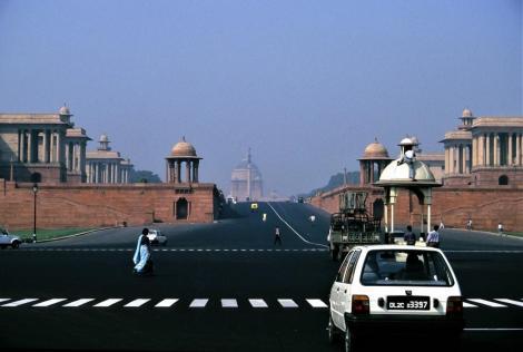 Delhi: Ministerien, hinten Mitte Präsidentenpalast in Neu-Delhi (2000)