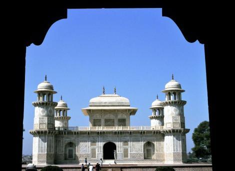 Agra: Mausoleum Itimad-ud-Daula (2000)