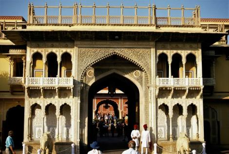 Jaipur: Maharadscha-Palast - Tor zum 2. Hof (2000)