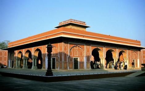 Jaipur: Palast - Öffentliche Audienzhalle [Diwan-i-Am] im 2. Hof (2000)