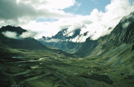 Yungas [Ostrand der Cordillera Real]: Anden zwischen dem Paso La Cumbre und Unduavi (2005)