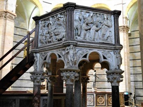 Baptisterium: Kanzel von Nicola Pisano (2017)