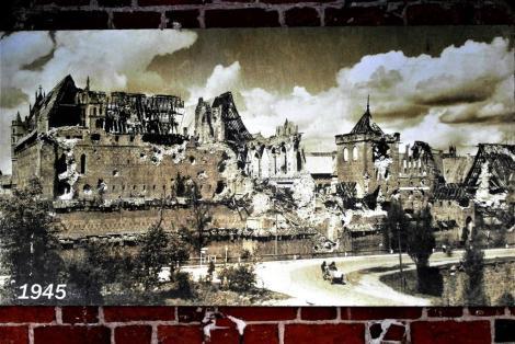Bild der Marienburg, Malbork - Zerstörung 1945