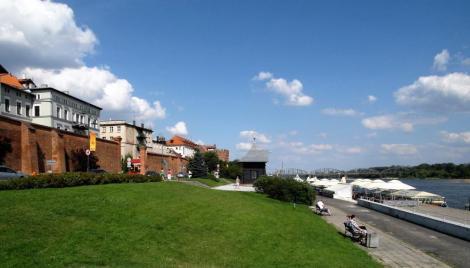 Thorn [poln. Torun]: Stadtmauer und Weichsel (2012)