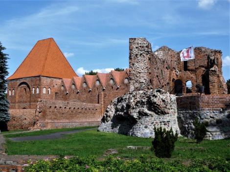 Thorn [poln. Torun]: Ruine der Deutschordensburg, links Dansker (2012)