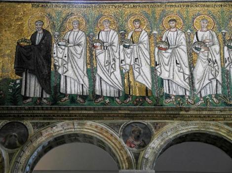 Sant' Appolinare Nuovo: rechte Seite untere Reihe - Zug der Märtyrer (2017)