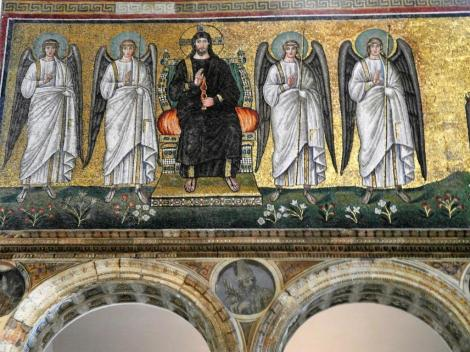 Sant' Appolinare Nuovo: rechte Seite untere Reihe - Jesus mit Engeln (2017)