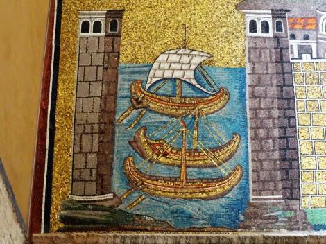 Sant' Appolinare Nuovo: linke Seite - Darstellung des Hafens Classis (2017)