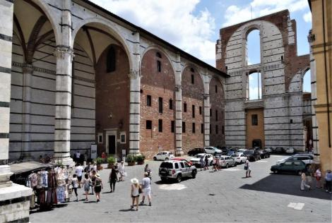 Unvollendeter neuer Dom [Duomo Nuovo] (2017)