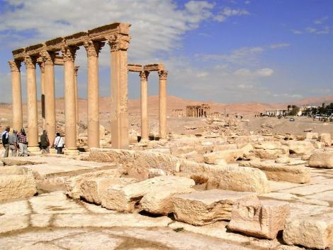 Diokletiansthermen, rechts hinten Baal-Schamin-Tempel (2008)