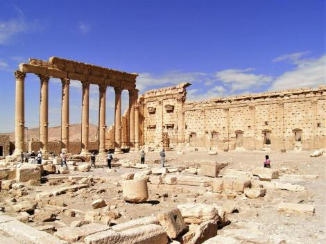 Baal-Tempel: äußere Mauer mit Säulenhalle (2008)