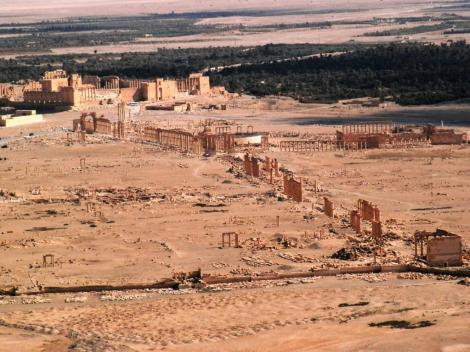 Blick von der arabischen Burg auf das Ruinengelände (2008)