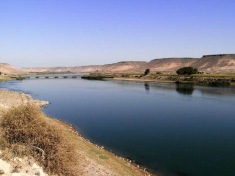 Euphrat bei Halabiye [Zenobia]