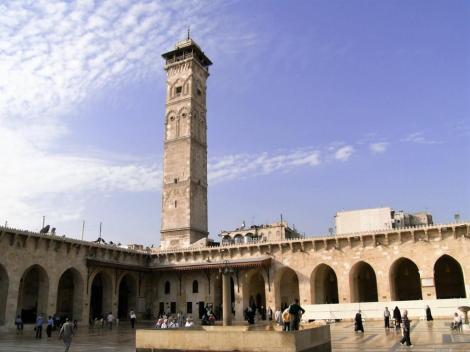 Aleppo: Omaijadenmoschee - Hof mit Minarett (2008)