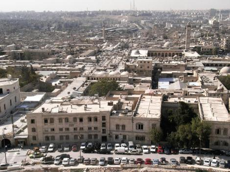 Aleppo: Blick von der Zitadelle auf den Suk und die Omaijadenmoschee (2008)