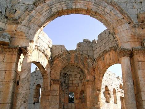 Simeonskloster: Verbindung zwischen Oktogon und zwei Säulenbasiliken (2008)