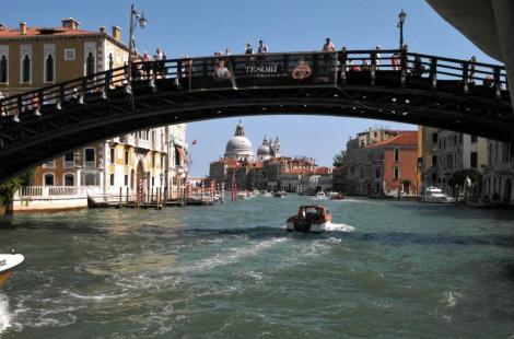 Canal Grande: Blick durch die Accademia-Brücke (2017)