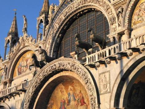 San Marco: Westfassade - Bronzepferde [Kopien] (2017)