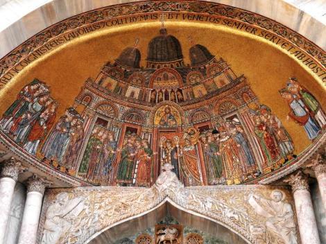 San Marco: Seitenportal Porta di S. Alippio - Mosaik von 1265 mit Darstellung von San Marco (2017)