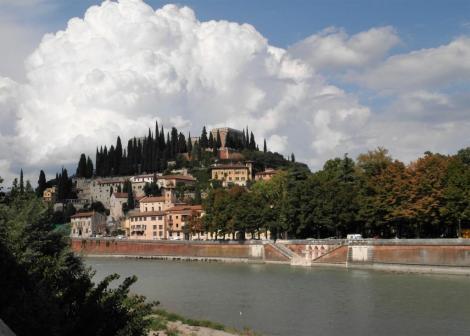 Blick über die Etsch zum Kastell San Pietro (2017)