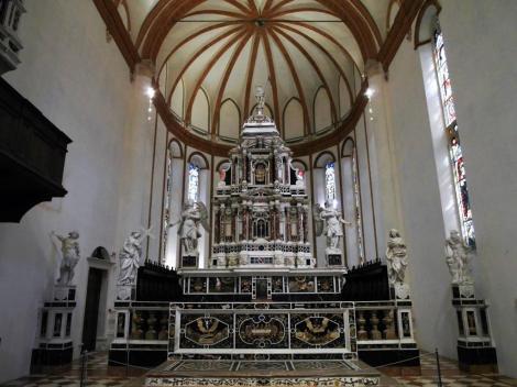 Kirche Santa Corona: Hauptaltar (2017)
