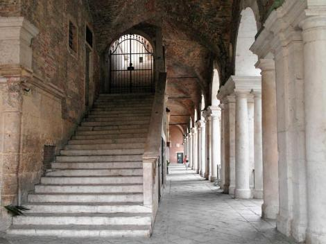 Basilica Palladiana - Nordseite: Treppe (2017)