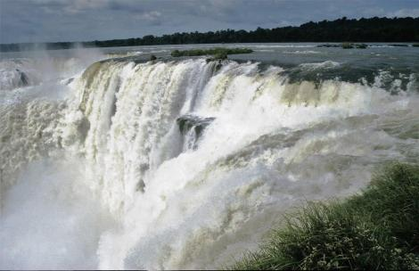 Iguaçu-Fälle: Teufelsrachen (2003)