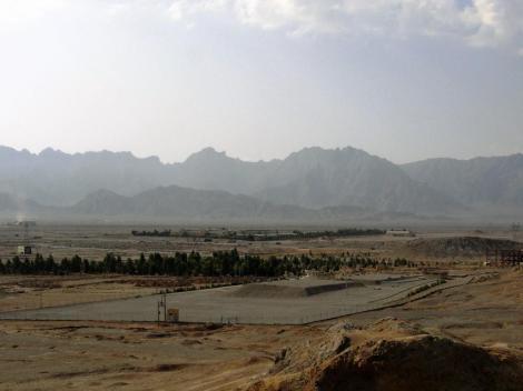 Yazd: Zoroastrier-Friedhof - Blick vom Turm des Schweigens (2007)