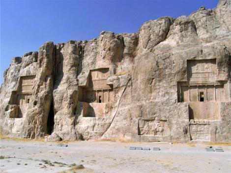 Naksch i Rustam: Achämenidengräber, darunter Sassanidenreliefs (2007)