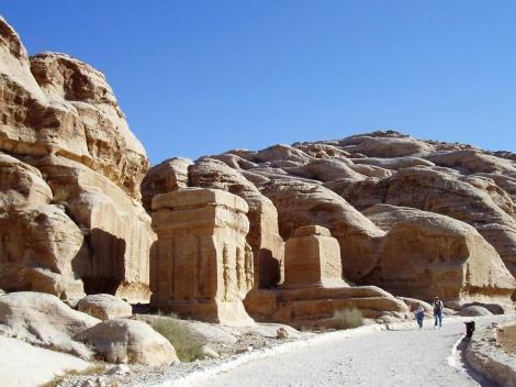 Petra: Blockgräber am Bab es Sik [Eingangsbereich zum Sik] (2006)