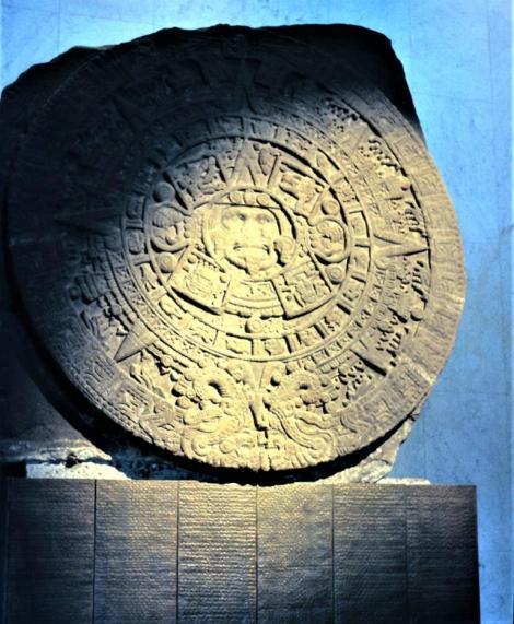 Mexiko-Stadt: Anthropologisches Museum - Sonnenstein der Azteken aus dem Haupttempel von Tenochtitlan (1980)