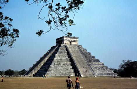 Chichen-Itza: Kukulkanpyramide [El Castillo] (1980)