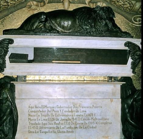 Lima: Kathedrale - Grab von Pizarro (2005)