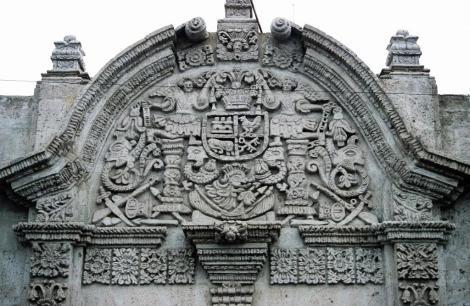 Arequipa: Casa del Moral - Portal (2005)