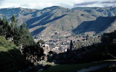 Cuzco: Blick von der Inkafestung Saqsayhuaman auf die Stadt (2005)